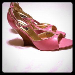 Vintage N.Y.L.A pink wedges